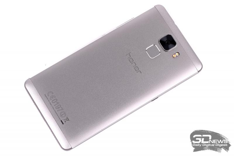Huawei Honor 7 – задняя панель