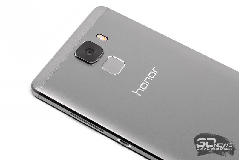 Huawei Honor 7 – сканер отпечатков пальцев