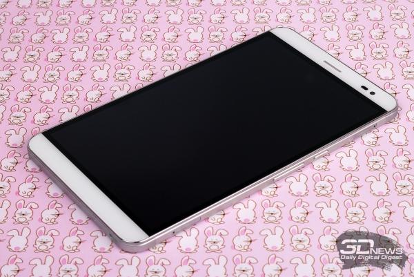 Huawei MediaPad X2 – лицевая панель