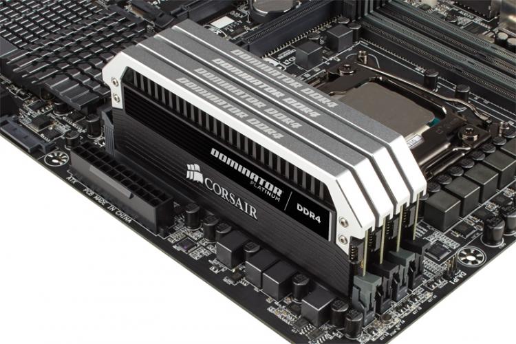 Модули памяти Corsair Dominator на базе DDR4