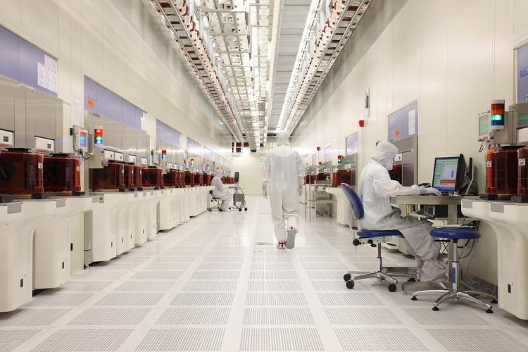 Производство NAND флеш в производственном комплексе Fab 2